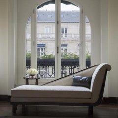 Hotel The Peninsula Paris 5* Улучшенный номер с различными типами кроватей фото 9