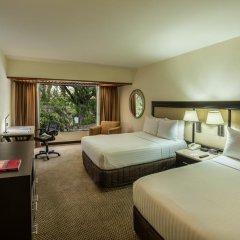 Отель Holiday Inn Guadalajara Expo 3* Стандартный номер с двуспальной кроватью фото 4