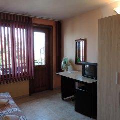 Отель Guest House Bakish Obzor Болгария, Аврен - отзывы, цены и фото номеров - забронировать отель Guest House Bakish Obzor онлайн удобства в номере фото 2