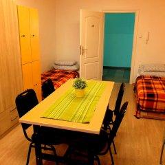 Budapest Budget Hostel Стандартный номер с различными типами кроватей (общая ванная комната) фото 5