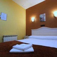 Отель Hostal Regio Стандартный номер с различными типами кроватей фото 5