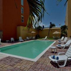Отель City Express Junior Cancun Мексика, Канкун - отзывы, цены и фото номеров - забронировать отель City Express Junior Cancun онлайн бассейн фото 3