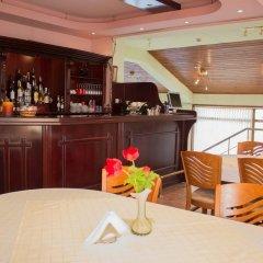 Отель VIKONI Болгария, Банско - отзывы, цены и фото номеров - забронировать отель VIKONI онлайн гостиничный бар
