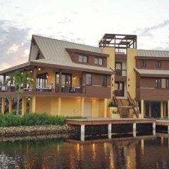 Отель Coral Beach Village Resort Гондурас, Остров Утила - отзывы, цены и фото номеров - забронировать отель Coral Beach Village Resort онлайн приотельная территория