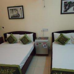 Nam Ngai Hotel Стандартный семейный номер с двуспальной кроватью