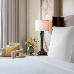 Four Seasons Hotel Macao at Cotai Strip 5* Улучшенный номер с различными типами кроватей фото 6
