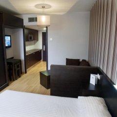 Отель Aparthotel Zenit Hall 88 4* Стандартный номер с двуспальной кроватью фото 3