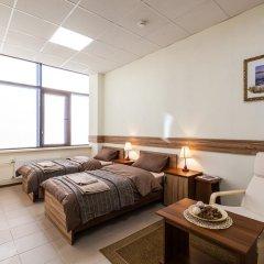 Гостиница ИЛАРОТЕЛЬ Стандартный номер с 2 отдельными кроватями (общая ванная комната) фото 3