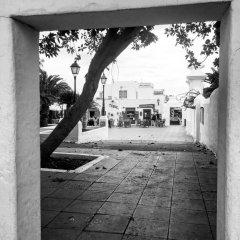 Отель Blue Sea Costa Bastián парковка