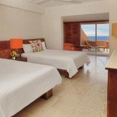 Отель Las Brisas Ixtapa 4* Номер Делюкс с различными типами кроватей