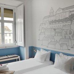 Отель Lisbon Check-In Guesthouse 3* Стандартный номер с двуспальной кроватью (общая ванная комната) фото 10