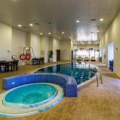 Отель Yanjoon Holiday Homes - Princess Tower бассейн