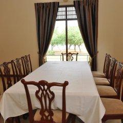 Отель Lake View Bungalow Yala комната для гостей фото 5