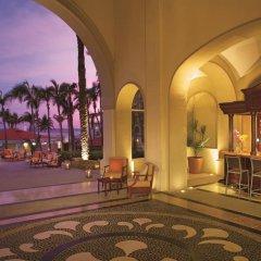 Отель Dreams Suites Golf Resort & Spa Cabo San Lucas - Все включено гостиничный бар
