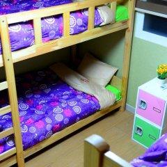 Отель Kimchee Hongdae Guesthouse Кровать в женском общем номере с двухъярусной кроватью фото 9