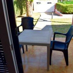 Отель Bungalows Ses Malvas Испания, Кала-эн-Бланес - 1 отзыв об отеле, цены и фото номеров - забронировать отель Bungalows Ses Malvas онлайн балкон