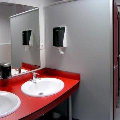Отель Hostel B&B&B Испания, Сантандер - отзывы, цены и фото номеров - забронировать отель Hostel B&B&B онлайн ванная фото 2