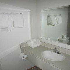 Отель Chalet Continental Motel ванная фото 2