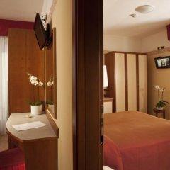 Hotel Bikini сейф в номере