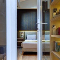 Отель Hôtel Elixir 3* Улучшенный номер с различными типами кроватей фото 6