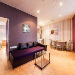 Апартаменты Town Hall Square Apartments - Voorimehe комната для гостей