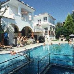 Hotel Melissa Gold Coast бассейн