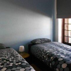 Surfing Inn Peniche - Hostel комната для гостей