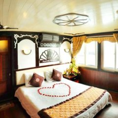 Отель Halong Aurora Cruises 3* Номер Делюкс с различными типами кроватей фото 3