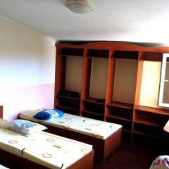 Гостиница Babushka Beach House Кровать в общем номере с двухъярусной кроватью фото 6