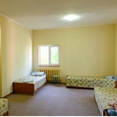 Гостиница Babushka Beach House Кровать в общем номере с двухъярусной кроватью фото 9