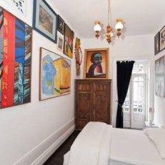 Nasoni Guest Hostel Стандартный номер двуспальная кровать (общая ванная комната)