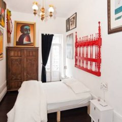 Nasoni Guest Hostel Стандартный номер двуспальная кровать (общая ванная комната) фото 4