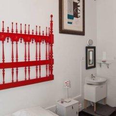Nasoni Guest Hostel Стандартный номер двуспальная кровать (общая ванная комната) фото 3