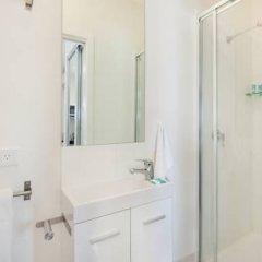 Отель Gold Coast Airport Accommodation - La Costa Motel 4* Студия с различными типами кроватей фото 7