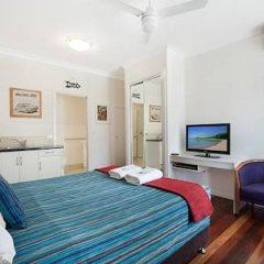 Отель Gold Coast Airport Accommodation - La Costa Motel 4* Студия с различными типами кроватей