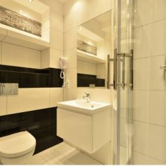 Апартаменты Dom & House - Apartments Waterlane Студия с различными типами кроватей фото 8
