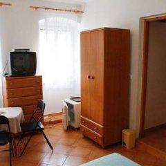 Отель Zlaty Jelen Апартаменты с различными типами кроватей фото 19