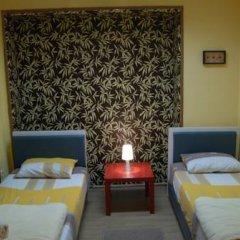 Hostel and Apartments Skadarlija Sunrise Стандартный номер с 2 отдельными кроватями (общая ванная комната) фото 4