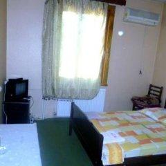 Hotel Toreli Стандартный номер с двуспальной кроватью (общая ванная комната)