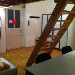 Season Hostel 2 Кровать в общем номере фото 5