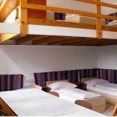 Season Hostel 2 Кровать в общем номере