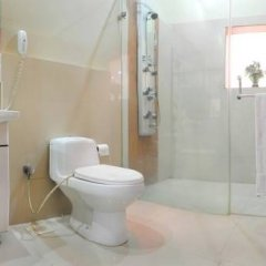 Raja Hotel 2* Улучшенный номер с различными типами кроватей фото 8