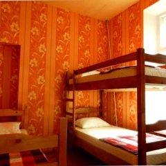ZaZaZoo Hostel Стандартный семейный номер с разными типами кроватей (общая ванная комната) фото 2