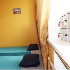 Хостел Artist на Бауманской Кровать в мужском общем номере двухъярусные кровати фото 2
