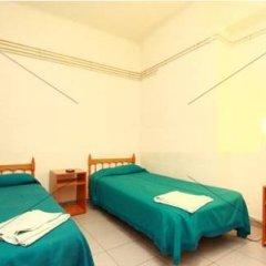 Отель Hostal Elkano Стандартный номер фото 11