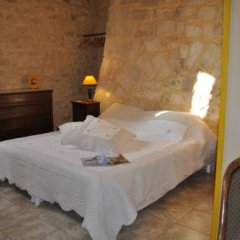 Отель Château de Bessas Gîtes Стандартный номер с различными типами кроватей фото 3