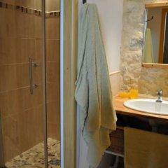 Отель Château de Bessas Gîtes Стандартный номер с различными типами кроватей