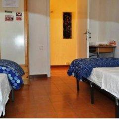 Отель Pintor Pahissa Rooms Стандартный номер с двуспальной кроватью (общая ванная комната) фото 2