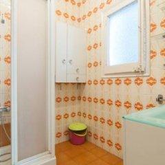 Отель Pintor Pahissa Rooms Стандартный номер с двуспальной кроватью (общая ванная комната) фото 4
