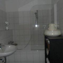 Отель Privatzimmer Düsseldorf Стандартный номер с различными типами кроватей фото 2